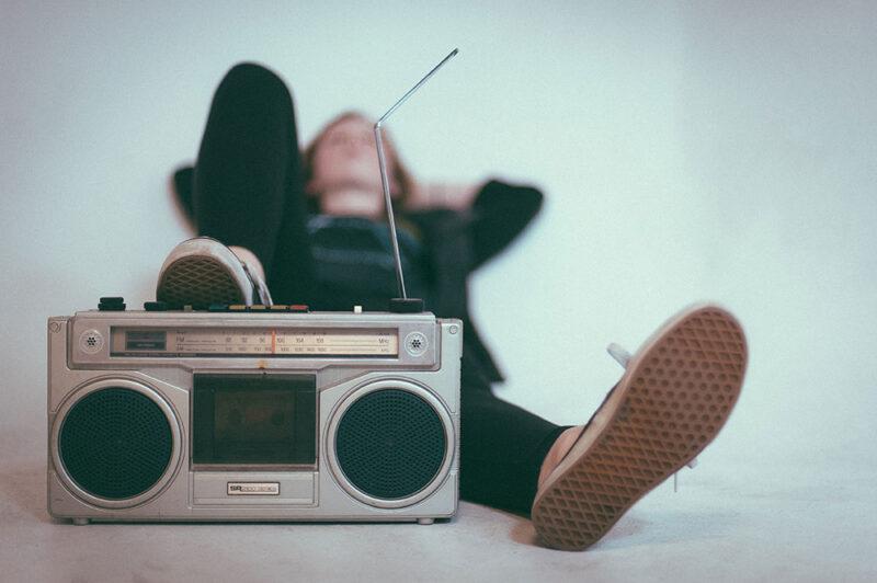 個人投資家必聴!株エヴァンジェリスト提供のラジオ番組がお得すぎる件